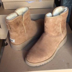 ❤️New Ugg Kristin Wedge Chestnut suede boots Sz 7